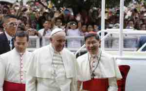 Si Pope Francis kasama ang matalik na kaibigan at Arsobispo ng Maynila, Inyong Kabunyian Luis Antonio G. Cardinal Tagle (Kuha mula sa Internet)